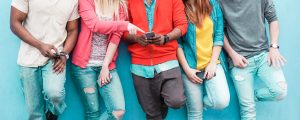 Group,Of,Friends,Watching,Smart,Mobile,Phone,-,Teenagers,Addiction